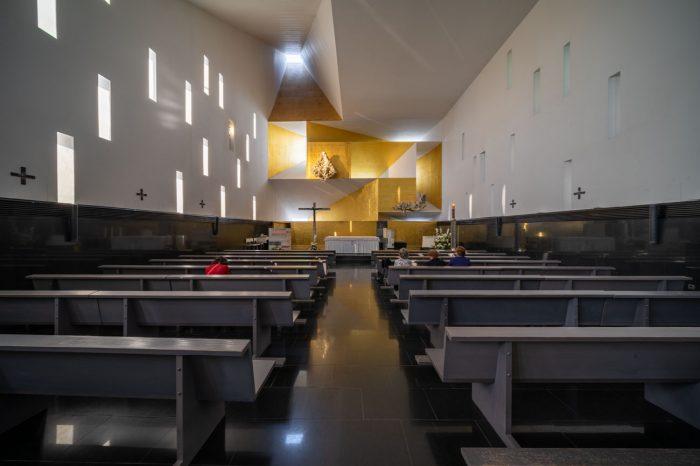 Iglesia Parroquia Santa Monica Vicens Ramos exterior interior