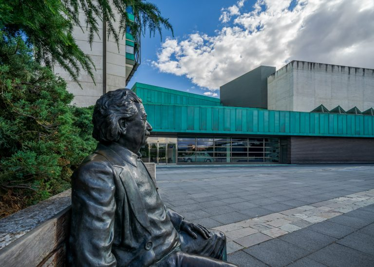Escultura Albert Einstein Museo Ciencia