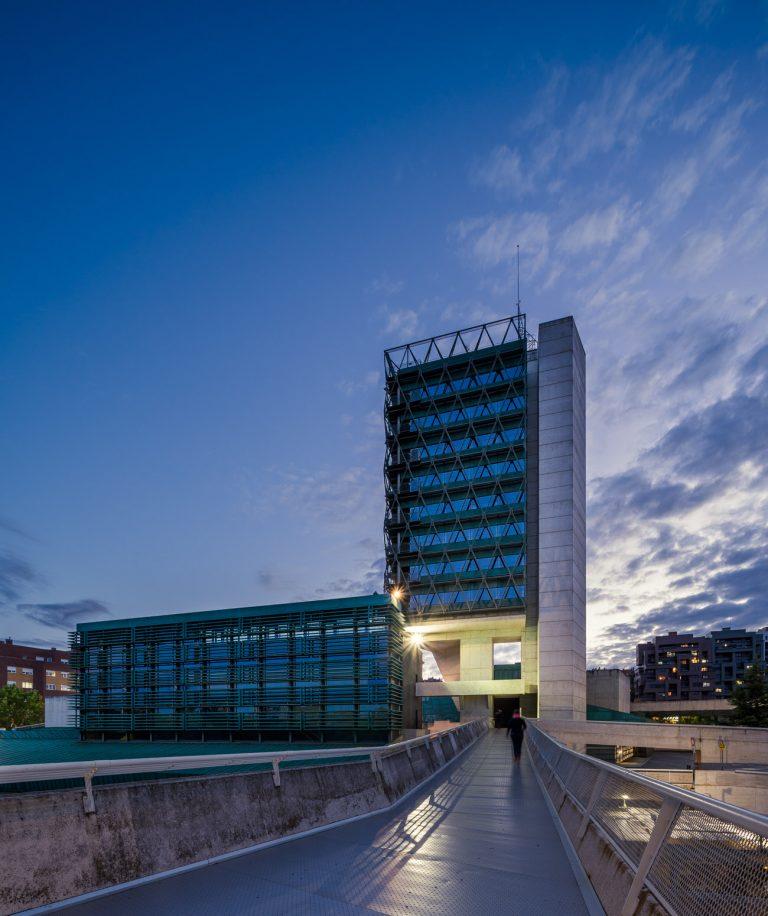 Exterior Museo de la Ciencia Valladolid noche