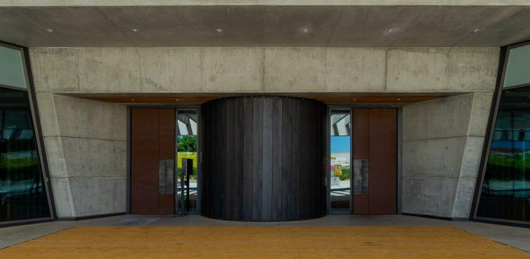 Puerta Bodega Portia Norman Foster