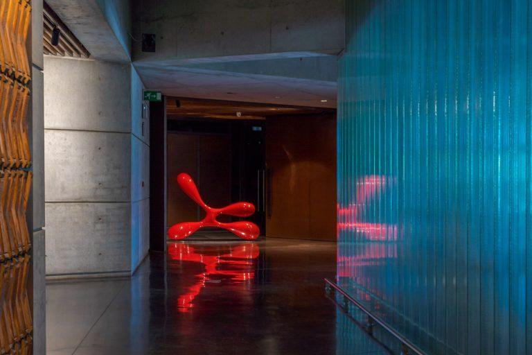 Obra arte y materiales interior Bodega Portia Norman Foster