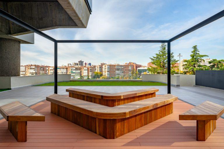Edificio Los Cubos Madrid detalle zonas comunes